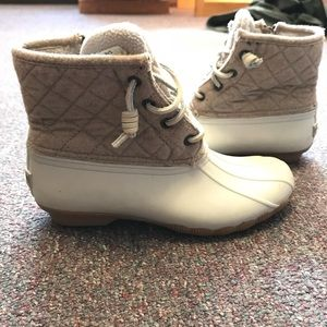 Sorry duck boots in beige/creme